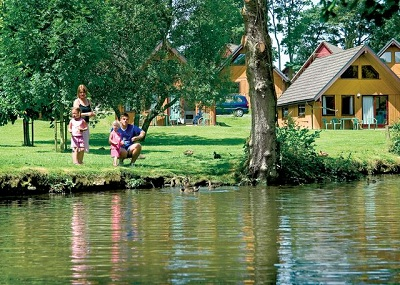 hengar manor country park for family holidays uk